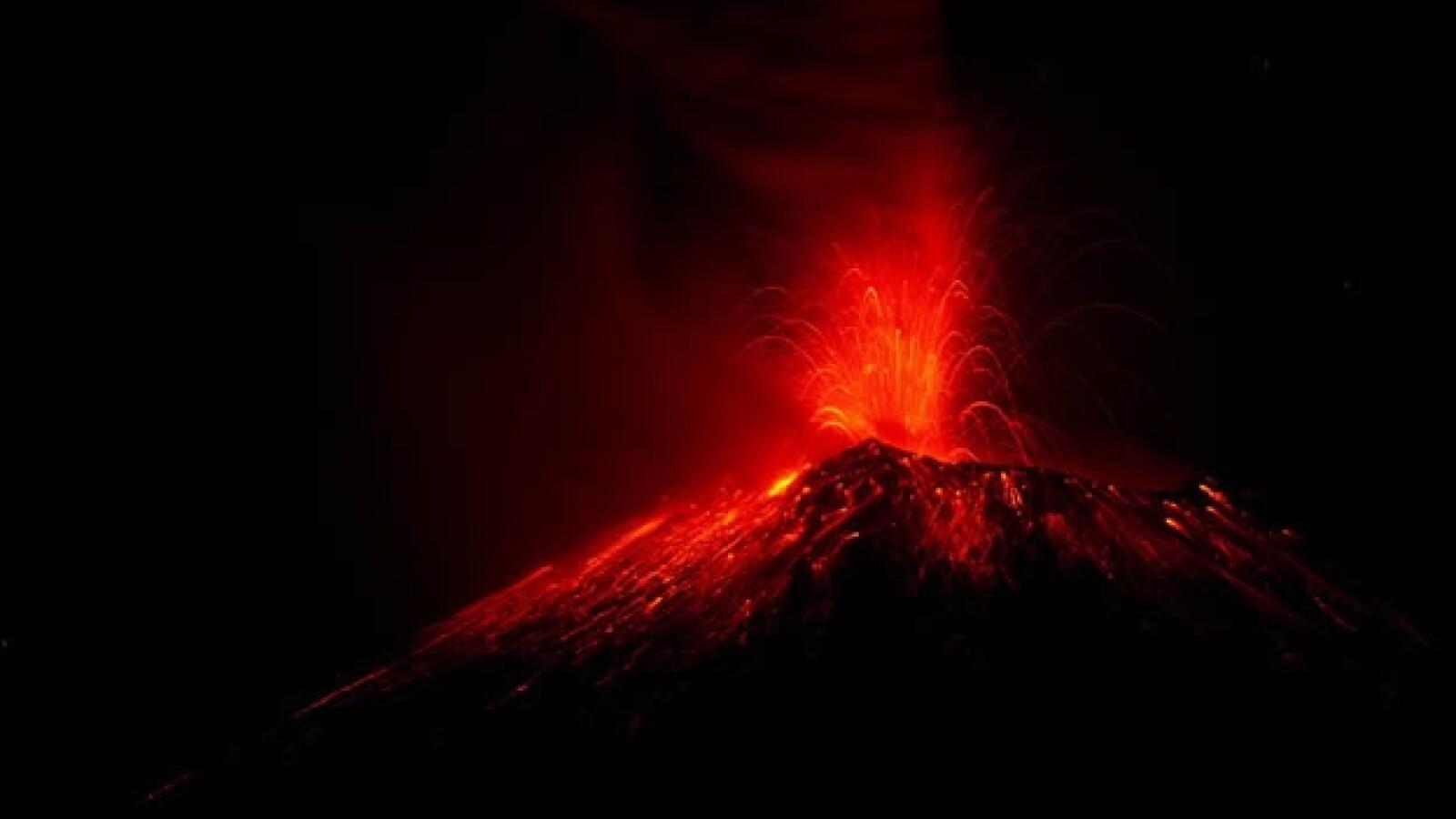 La lava aumenta en el Popocatepetl
