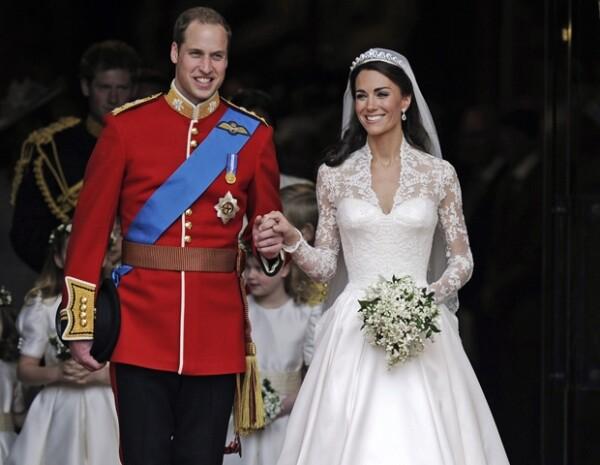 A ella, una boda le compró su lugar en la historia, a él, su nacimiento lo llenó de deberes y obligaciones.