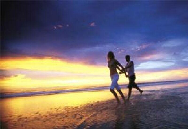 Bodaclick, Quién.com y Club Med te invitan a participar para ganar una romántica semana en las playas de Ixtapa.