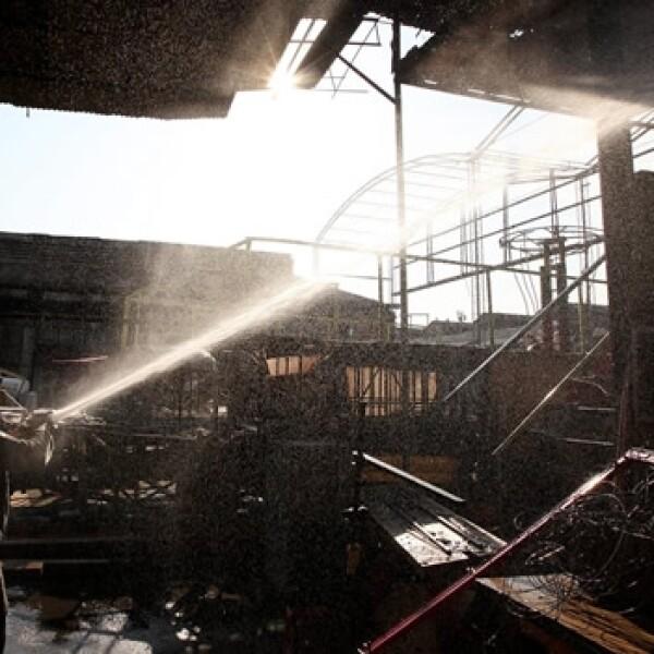 incendio en un taller del carnaval de rio de janeiro
