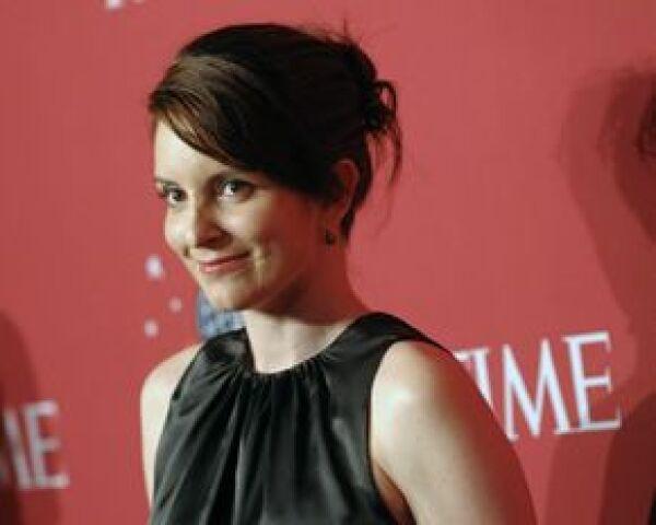 La actriz Tina Fey se caracterizó de la candidata a la vicepresidencia de Estados Unidos para la nueva temporada de Saturday Night Live.