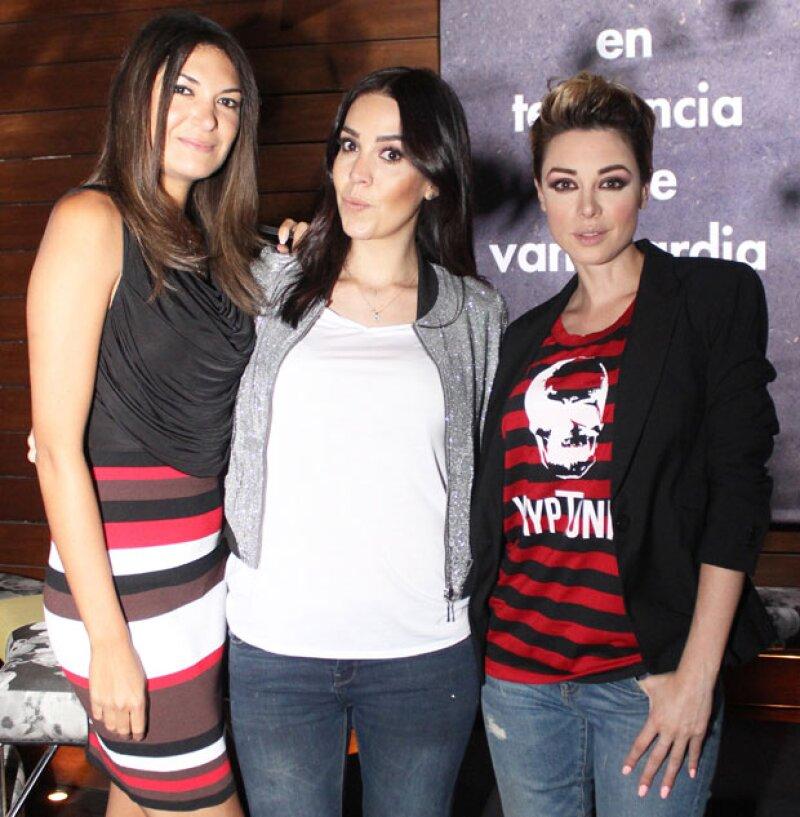 Alejandra Riquelme,Carolina Lomas y Lía Ferre.