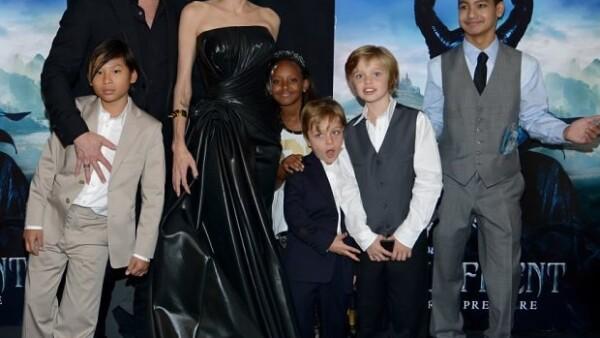 Angelina aprovechó la temática infantil de su película para invitar a sus hijos al estreno.