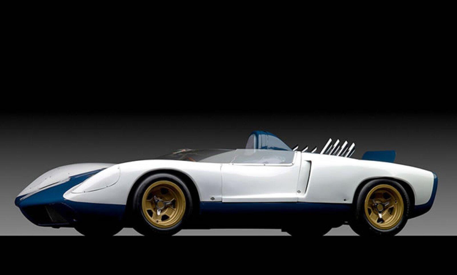 Con un concepto Corvette con motor central, este modelo fue el primer ejemplo conocido de par vectorial de tracción total, un sistema que cambia la distribución de energía entre las cuatro ruedas. Se vendió por 1.1 mdd.