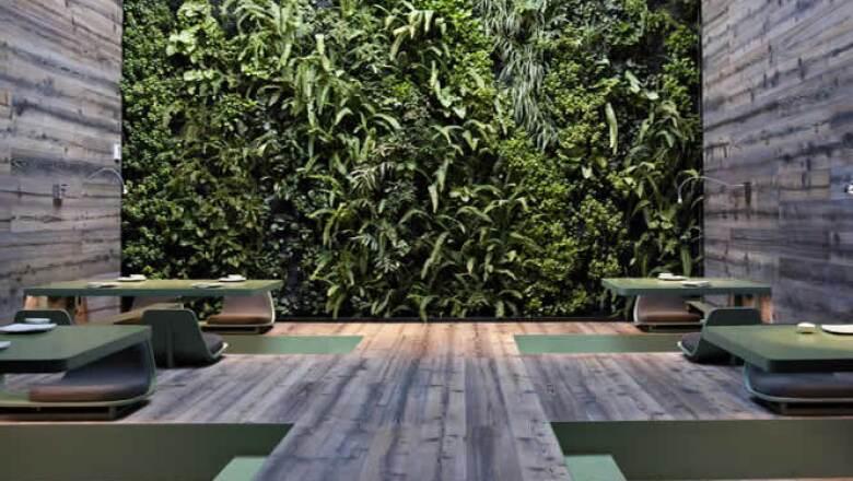 El interiorismo del Tea Room, el salón más solicitado por los clientes del Tori Tori, fue realizado en colaboración con los maestros del diseño industrial mexicano, Esrawe Studio.