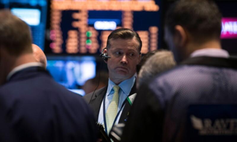 La economía estadounidense se contrajo 1% en el primer trimestre, según cifras revisadas. (Foto: Reuters)
