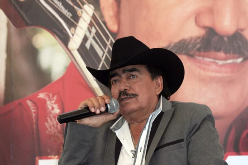 El cantante y compositor tenía varios años luchando contra el cáncer; Joan Sebastian es autor de éxitos de la música mexicana como 'Tatuajes' y 'Secreto de amor'.