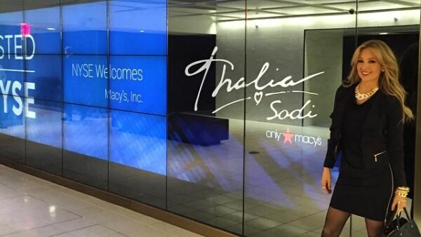 La cantante mexicana dijo haber tomado por sorpresa a la bolsa de valores de Nueva York con su nueva colección de ropa para la tienda Macy´s.