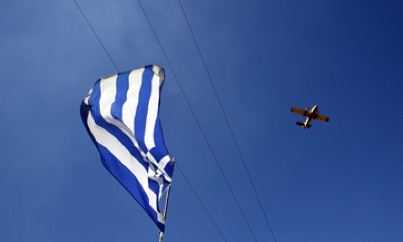 Grecia ha recibido dos rescates por un total de 320,000 mdd. (Foto: Reuters)
