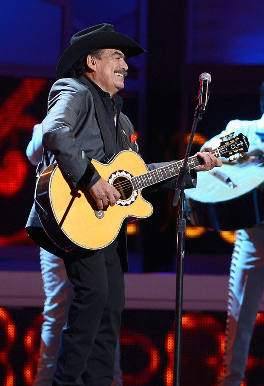 Secreto de Amor, Eso y Más, y Tatuajes son algunas de sus canciones más reconocidas.