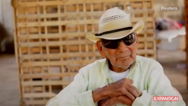 Este mexicano dice ser el hombre más viejo del mundo con 121 años