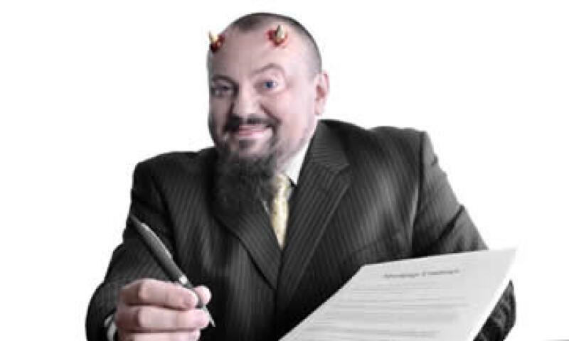 La Condusef recomienda evaluar las condiciones del contrato antes de adquirir productos financieros. (Foto: Getty Images)