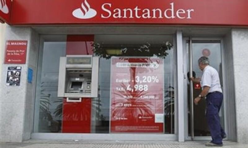 Santander, Deutsche Bank y UBS encabezan la operación, de acuerdo con Reuters.  (Foto: Reuters)