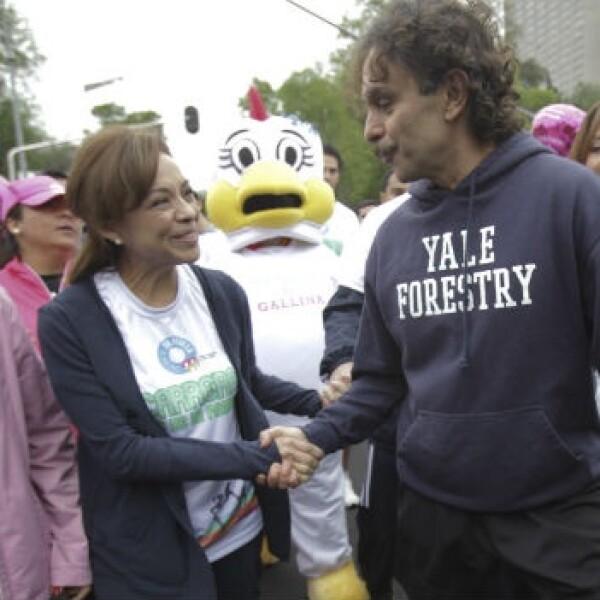 Gabriel Quadri y Vazquez Mota se encuentran en carrera de dia de la familia