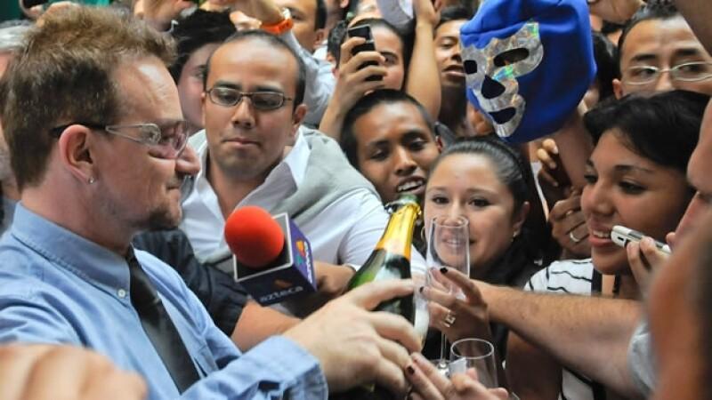 Bono celebra su cumpleaños en Mexico