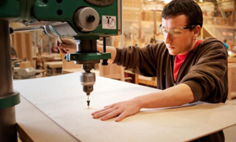 Analistas prevén que se generen entre 2.5 y 5 millones de empleos industriales en los próximos siete años en EU. (Foto: Getty Images)