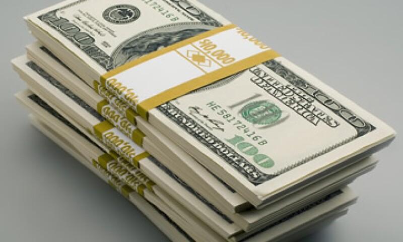 Banco Base prevé que el tipo de cambio fluctúe este miércoles entre 12.96 y 13.06 pesos por dólar. (Foto: Getty Images)