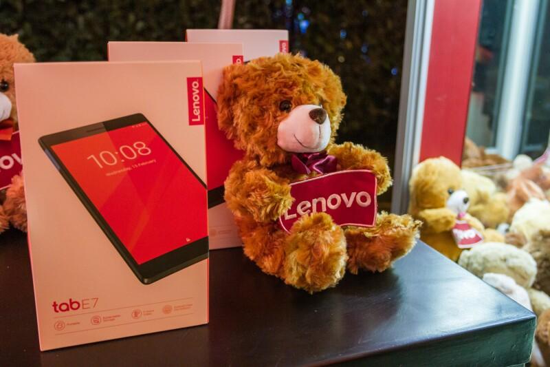 Lenovo Tab E7.jpg