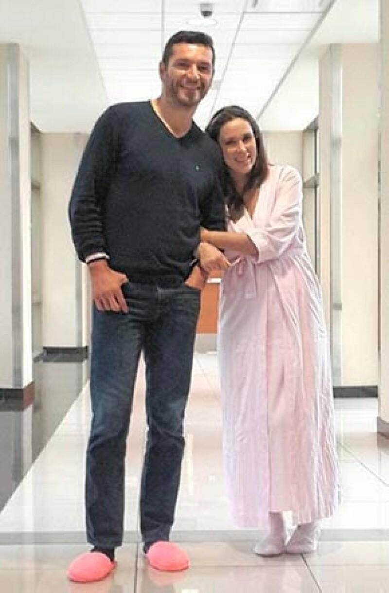 Martín publicó esta imagen a unos días de la llegada de su segunda hija, de nombre Carolina.