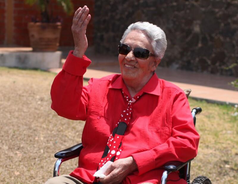 Según el reporte médico en poder de The Associated Press, la cantante de 93 años cumple el miércoles el cuarto día de hospitalización en el área de cuidados intensivos.