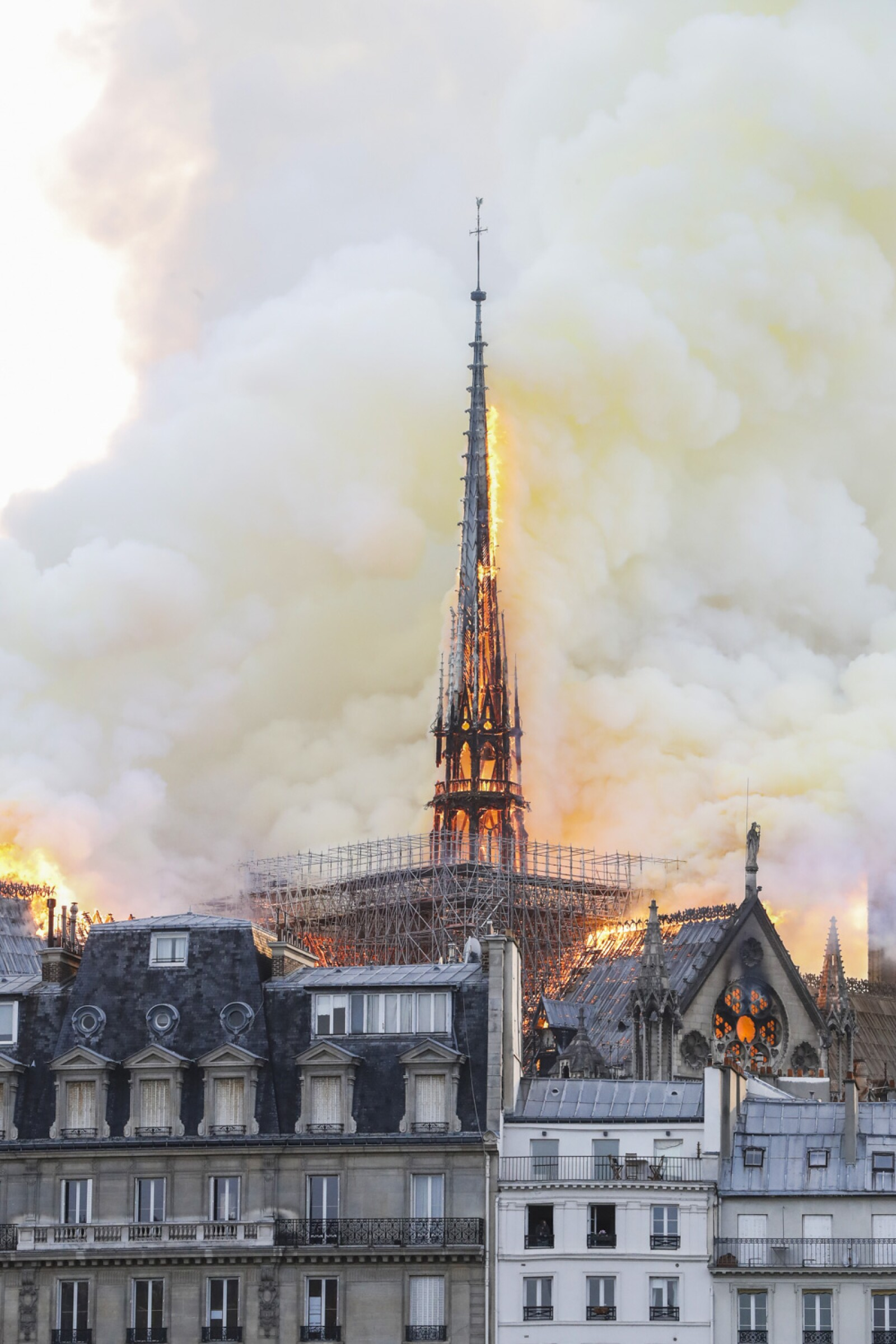 Incendio Notre Dame-2