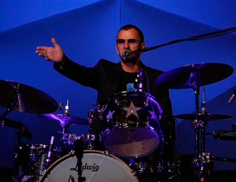 El ex Beatle conquistó a todos sus seguidores mexicanos en el concierto que ofreció la noche de ayer en el Distrito Federal.