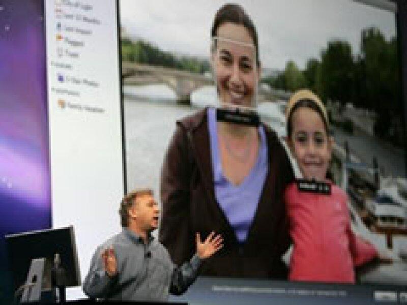 Phil Schiller, vicepresidente senior de mercadeo de Apple, anuncio actualizaciones para los software de los productos de la empresa.  (Foto: Reuters)