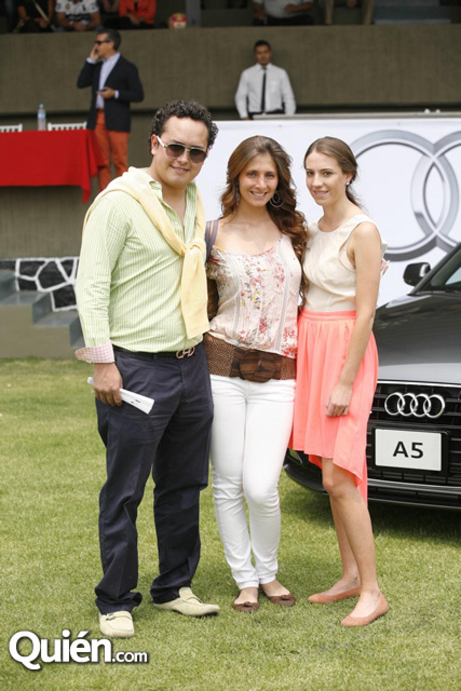 José Carlos Parani,Tania Tostado,Victoria Miranda
