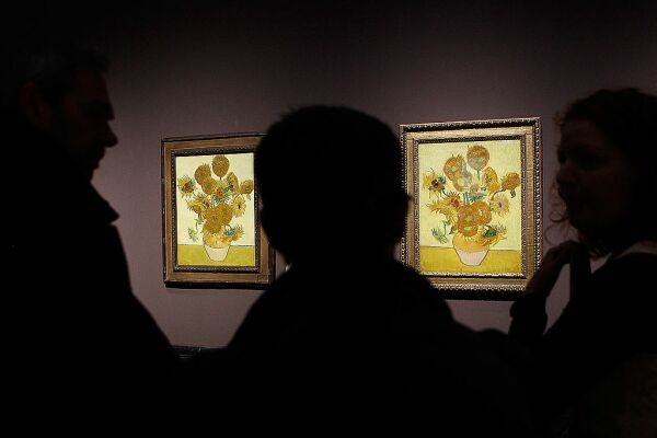 Two Versions Of Vincent Van Gogh's Sunflower Paintings Reunited The National Gallery