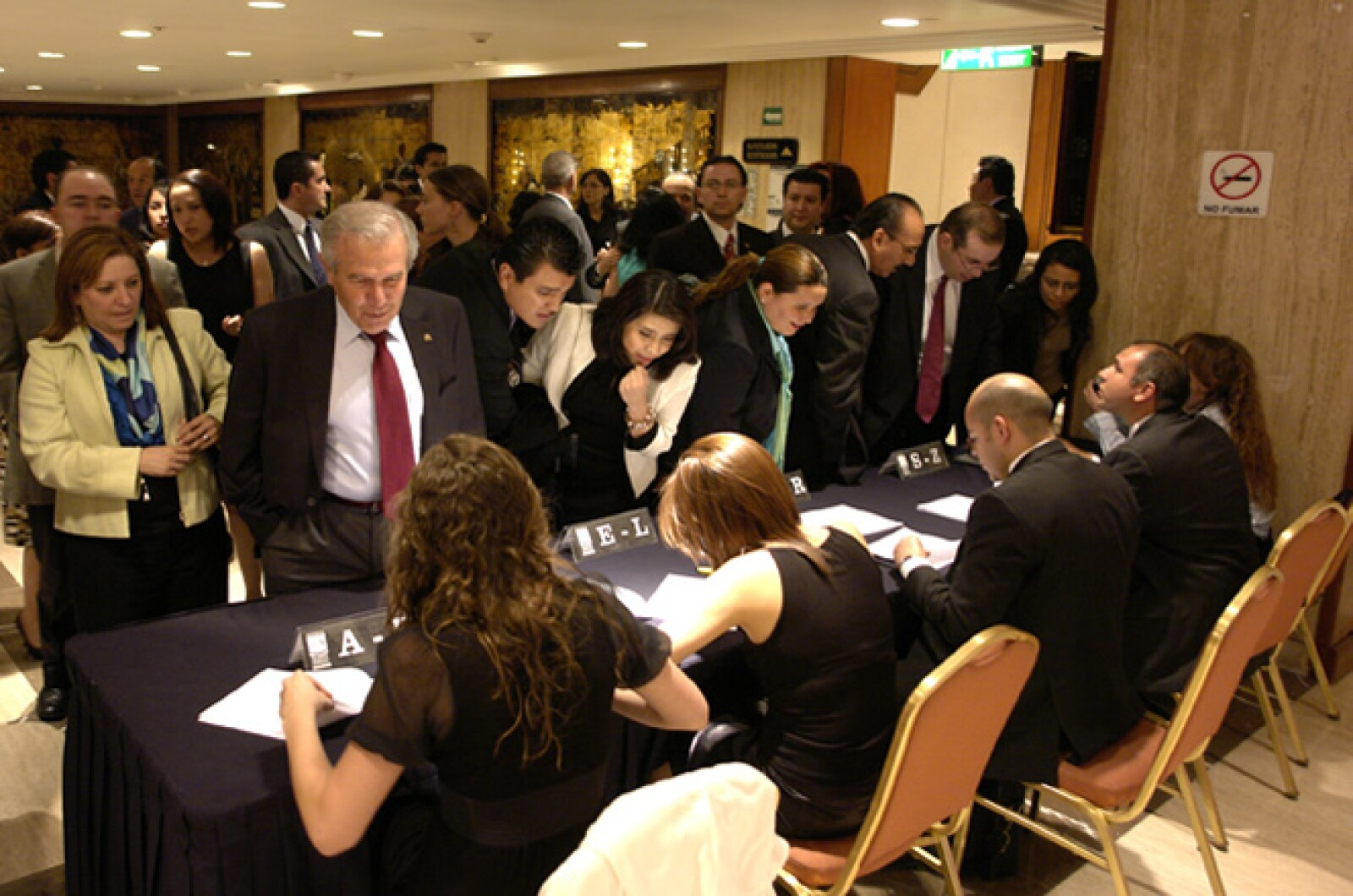 Los invitados llegaron a la hora solicitada para registrarse y entrar al evento.