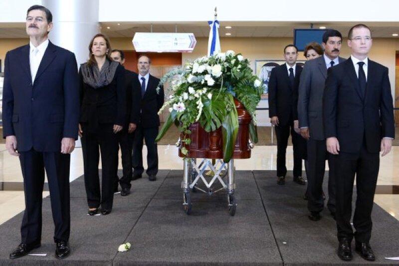 Los panistas se dieron cita para darle el último adiós al político chihuahuense, considerado pilar de Acción Nacional.