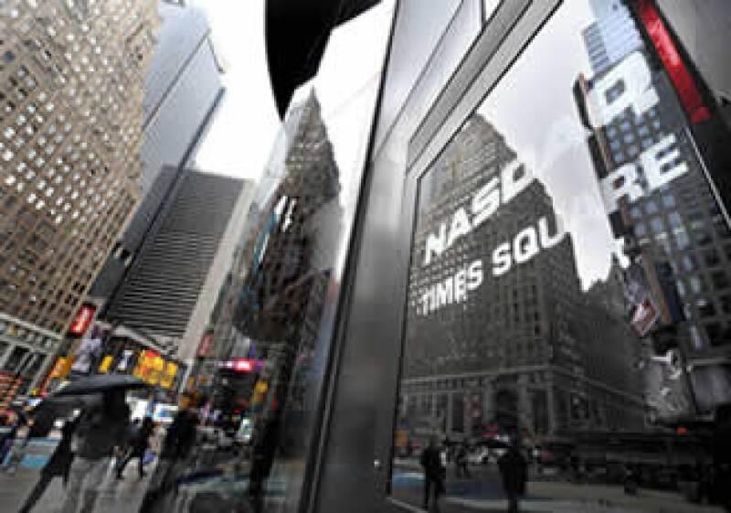 En la semana, el Dow Jones ganó 2.4% el S&P 500 2% y el Nasdaq 1.9%. (Foto: Notimex)