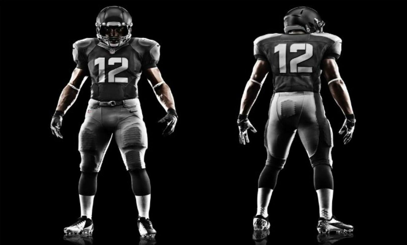 """""""Sabemos que el futbol americano demanda lo mejor y nosotros buscamos ofrecer la mejor innovación en desempeño y estilo para la cancha, las gradas y la calle"""", dijo Mark Parker, CEO de Nike."""
