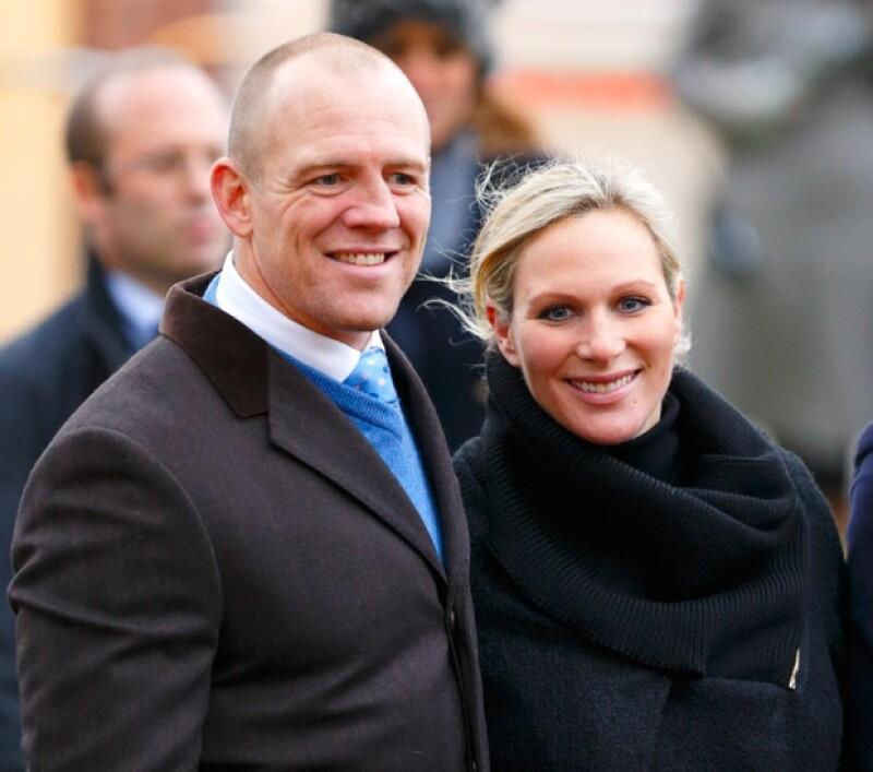 Según ha confirmado un portavoz del palacio de Buckingham, Zara y su esposo Mike Tindall recibieron hoy a una pequeña que pesó 3.5 kilos. El nombre todavía no es revelado.