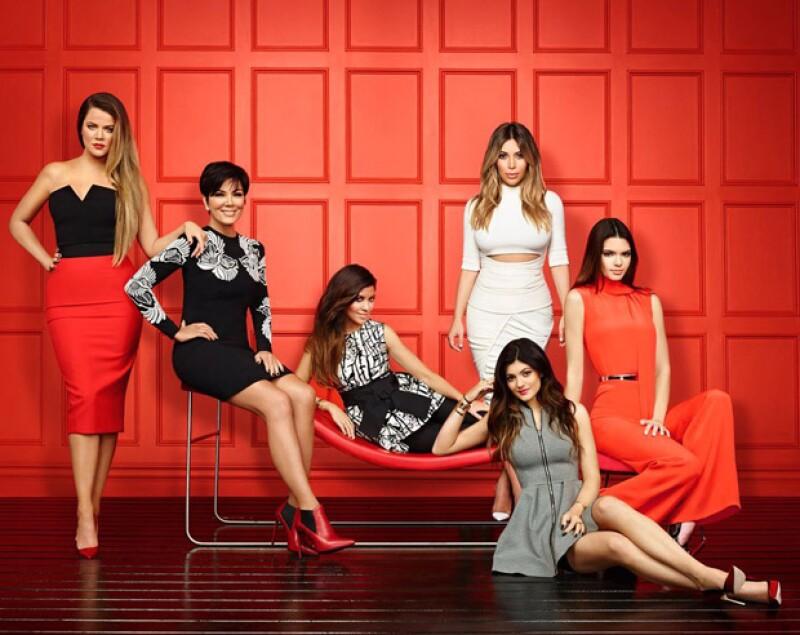 El clan de la familia más mediática renovará su contrato con E! por los siguientes cuatro años a excepción de Bruce Jenner, quien tendrá el suyo.