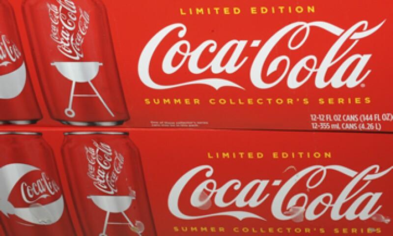 La compañía está optimista y evalúa constantemente a otros embotelladores de Coca-Cola.  (Foto: AP)