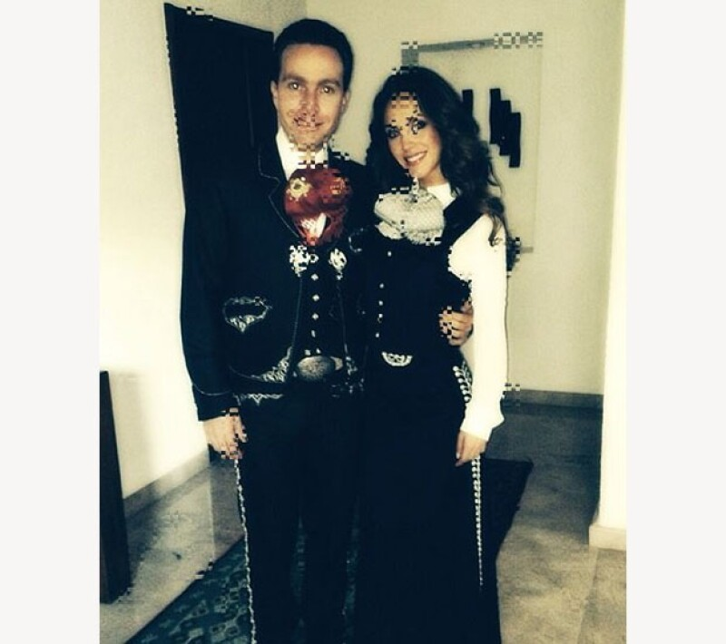 La pareja vistió el traje típico de charro para asistir a un torneo en la capital del estado. La cantante compartió en Instagram una imagen de ambos, listos para salir.