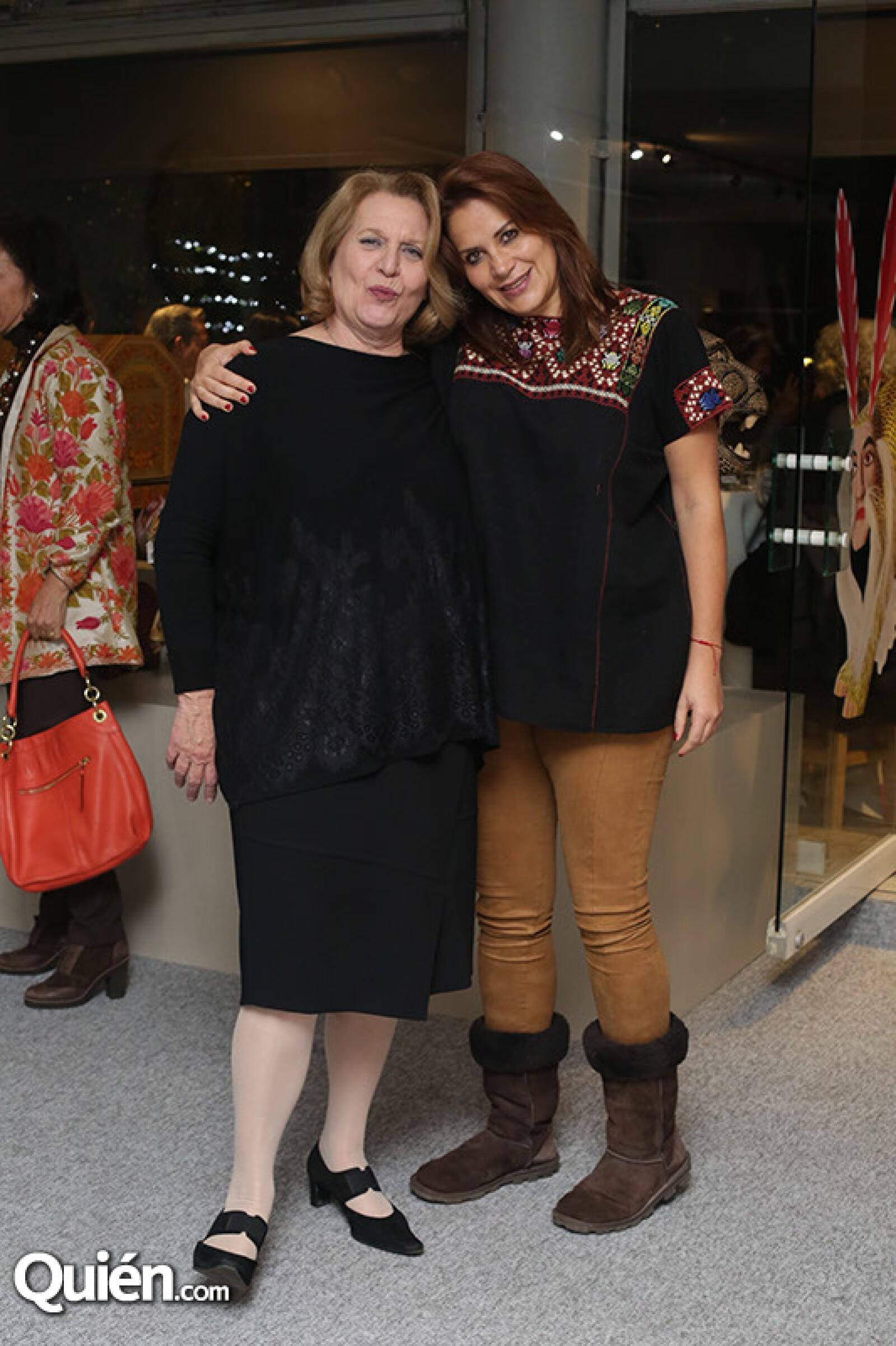 Martine de Nale y María Ester Villar