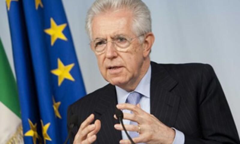 Mario Monti, primer ministro de Italia, dijo que se busca relanzar el sector de la construcción. (Foto: Reuters)
