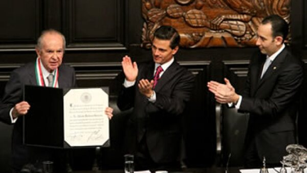 El empresario de 84 años ocupa la posición 5 en el ranking de Los 100 Empresario más Importantes de México de este año. (Foto: Notimex )