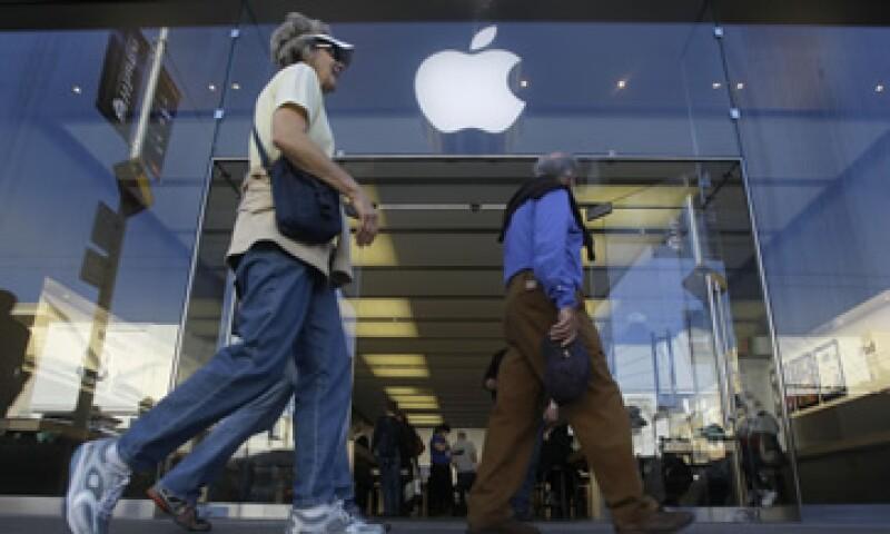 De los productos de Apple, el iPhone es el que más ventas podría generar este trimestre, según analistas. (Foto: AP)