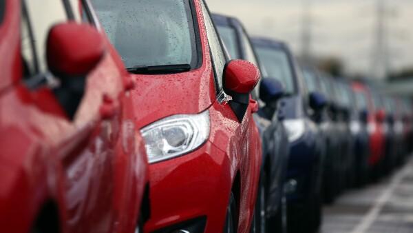 La empresa se hizo acreedora a la multa por la venta de 4,690 vehículos sin certificado