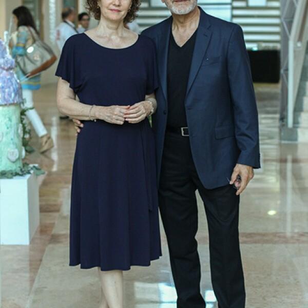 Cinthia Salinas y Edmundo Nevaraez.