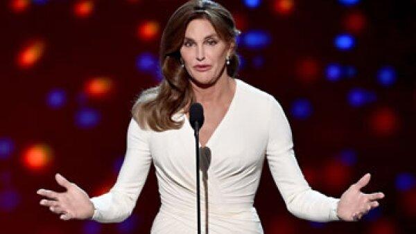 Caitlyn Jenner recibió el galardón otorgado por la cadena ESPN (Foto: Getty Images )