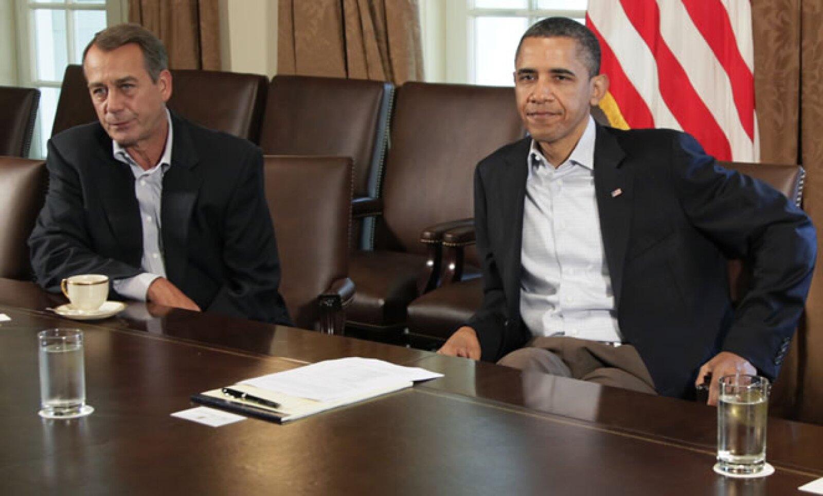 John Boehner, jefe de la Cámara de Representantes de Estados Unidos, rompió negociaciones con el presidente Barack Obama sobre el límite del endeudamiento de EU, lo que derivó en una degradación de la nota soberana por parte de Standard & Poor's.