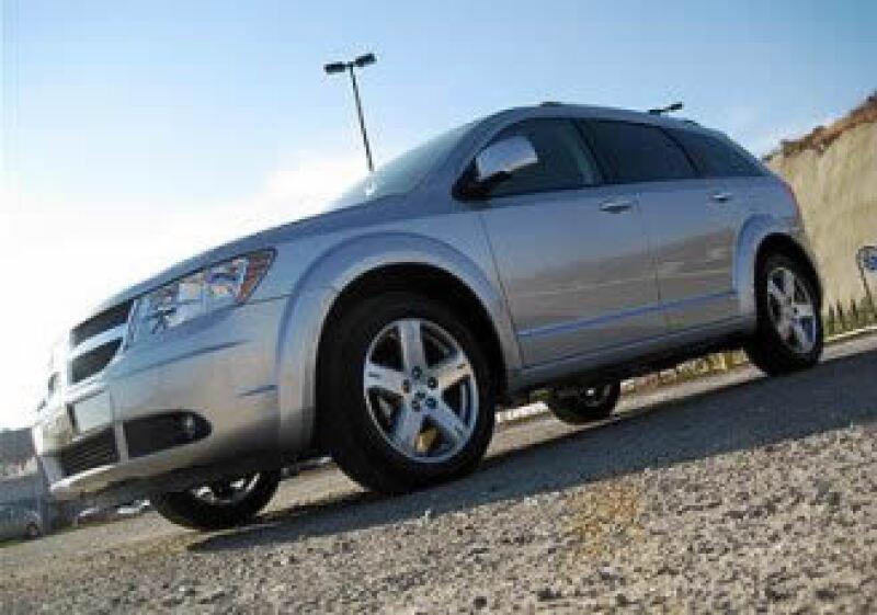 Los sensores de choque en la Dodge Journey pueden atrofiarse, evitando que se disparen las bolsas de aire. (Foto: Autocosmos)