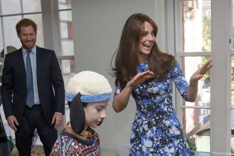 Durante su reunión en The Charities Forum en el BAFTA, los príncipes y la duquesa revivieron su espíritu infantil de la manera más graciosa.