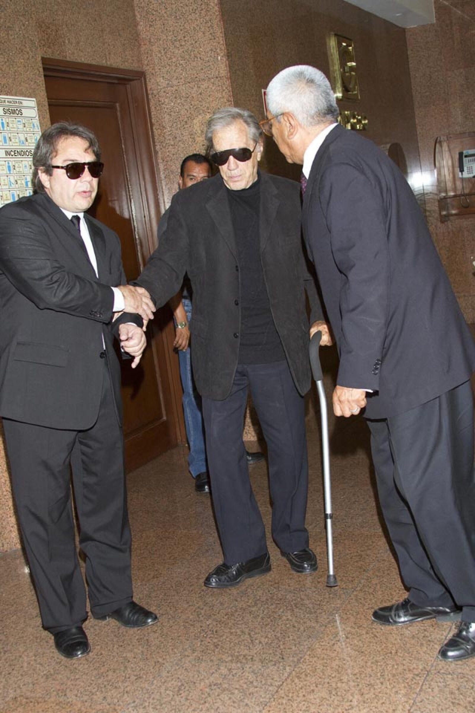 Durante el funeral de su esposa Alma Guzmán, fallecida el pasado julio de 2012.