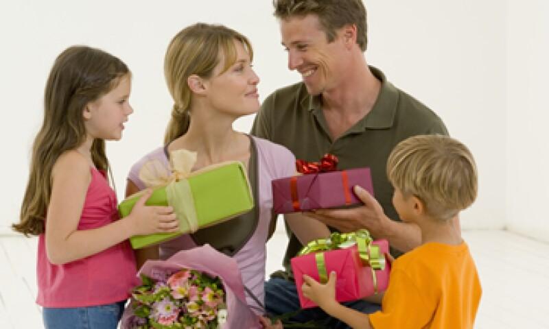 El 48% de las mamás esperan artículos personales como regalo según la Profeco. (Foto: Thinkstock)