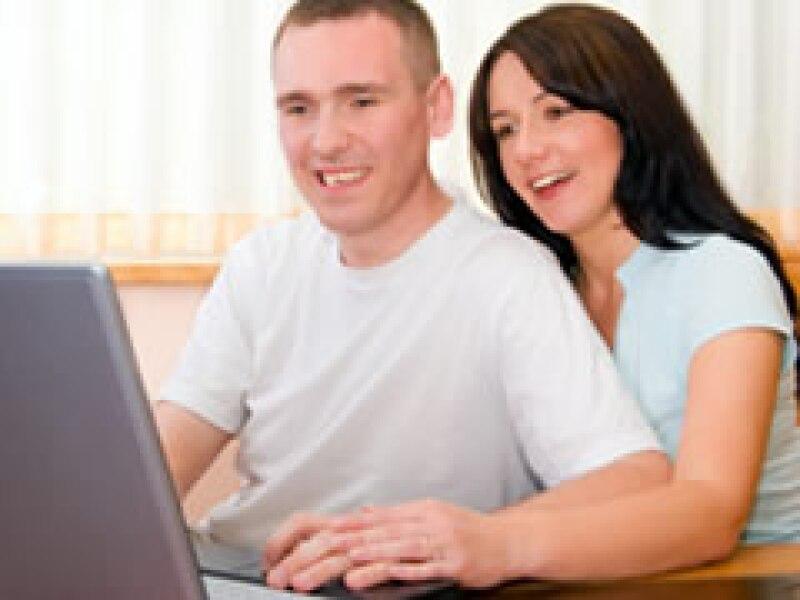 Un 7% de los encuestados dijo que había dejado un empleo a consecuencia de un romance de oficina. (Foto: Archivo)